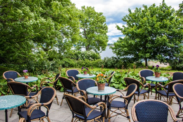 Enjoy your chocolate cake on the museum's cosy little terrace